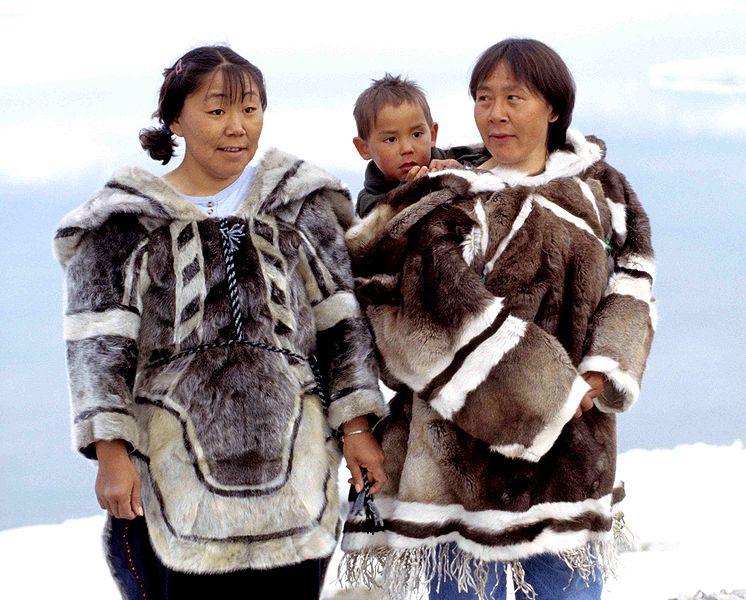 Os povos inuítes, estudados por Boas, são erroneamente chamados de esquimós e habitam o norte do Canadá, o Alasca e a Groenlândia. [1]