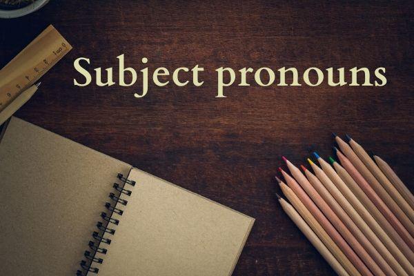 """Os """"subject pronouns"""" antecedem ao verbo na oração"""