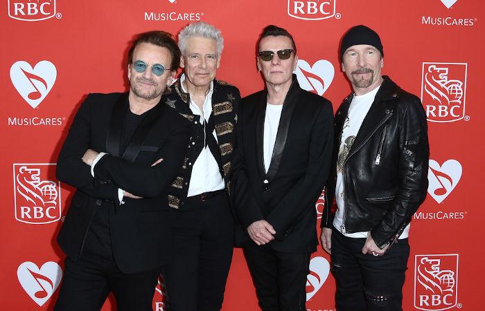 A banda irlandesa U2 foi uma das que se apresentaram no Live Aid, em 1985.[2]