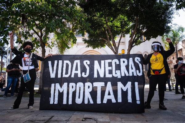 Protesto antirracista realizado em 7 de junho de 2020, na cidade de São Paulo.