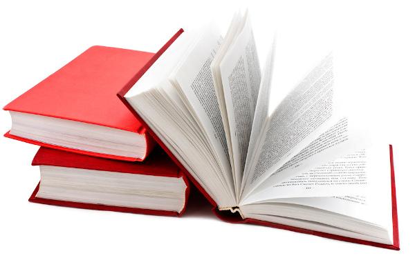 Os romances consistem em narrativas longas que podem contar as mais diversas histórias.