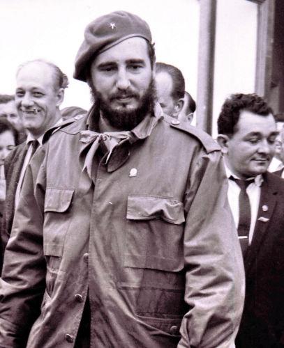 Fidel Castro liderou a Revolução Cubana e tornou-se primeiro-ministro de Cuba em fevereiro de 1959.[1]