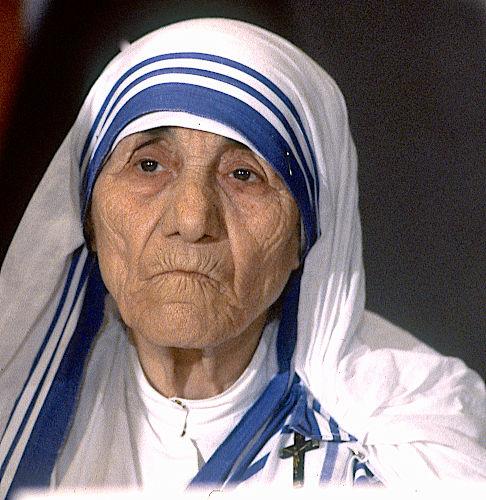 Madre Teresa de Calcutá ficou conhecida como uma das maiores promotoras da paz no mundo durante o século XX.[1]