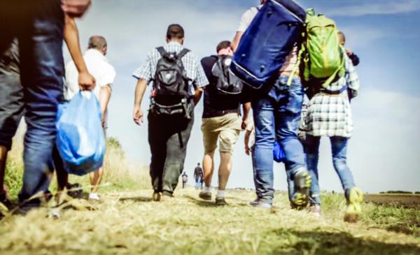 Migrantes indo para a Europa.
