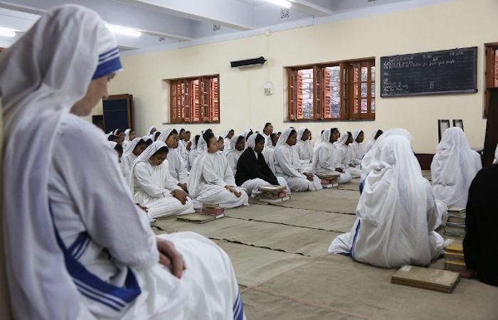 A congregação Missionárias da Caridade foi fundada por Madre Teresa de Calcutá em 1950 e atualmente está em mais de 100 países.[2]
