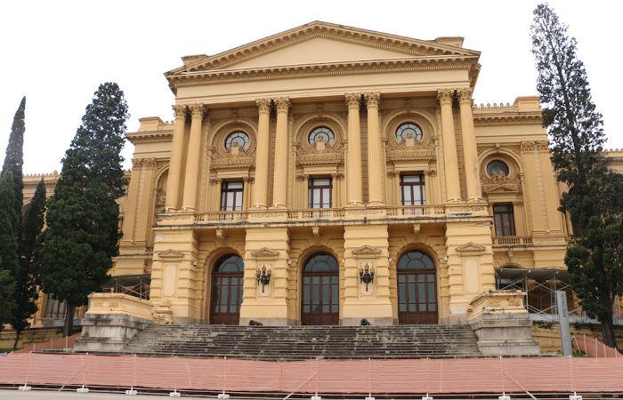O Museu Paulista, em São Paulo, fica próximo ao local onde D. Pedro I declarou a independência do Brasil em 1822.[2]