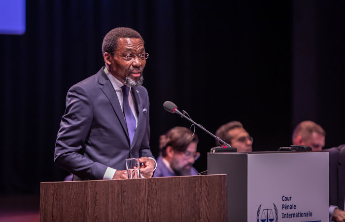 O juiz nigeriano Chile Eboe-Osuji é o atual presidente do Tribunal Penal Internacional.[2]