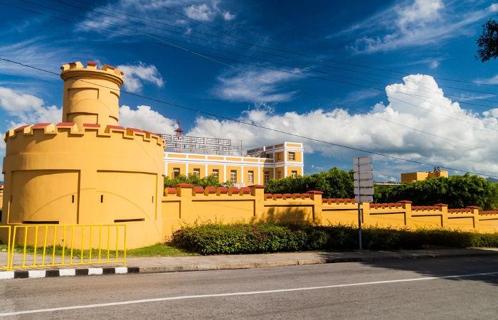 Quartel Moncada, localizado em Santiago de Cuba, foi alvo de um ataque liderado por Fidel Castro em 26 de julho de 1953.