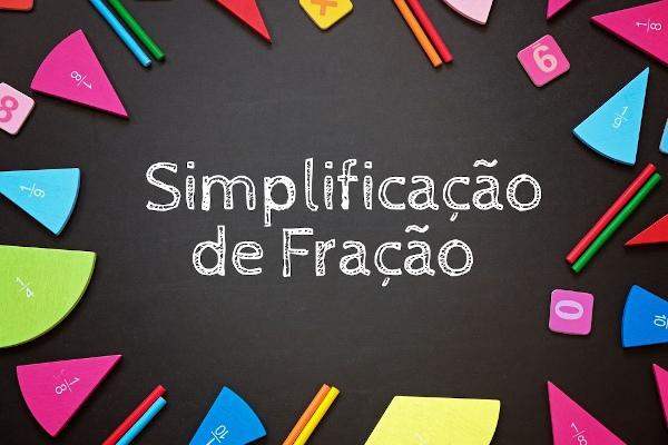 A simplificação de fração é utilizada para encontrar frações irredutíveis.