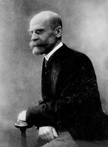 Para Èmile Durkheim, grupos obtêm prestígio e inserção social a partir da ocupação profissional.