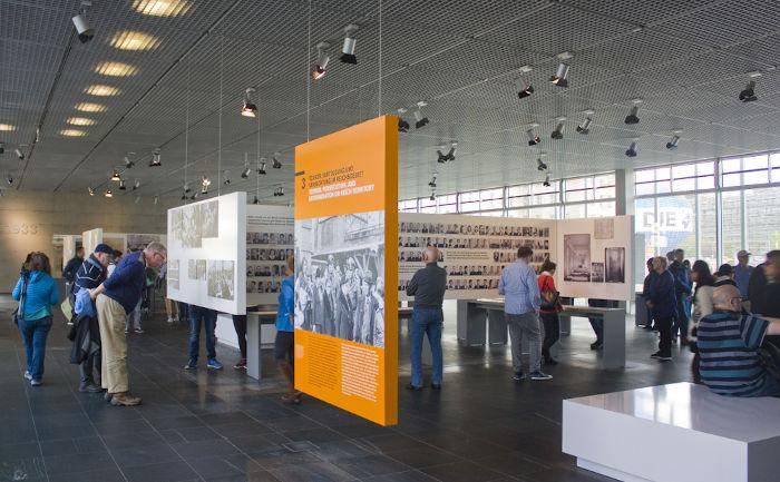 A sede da Gestapo comporta atualmente um museu chamado Topografia do Terror.[2]