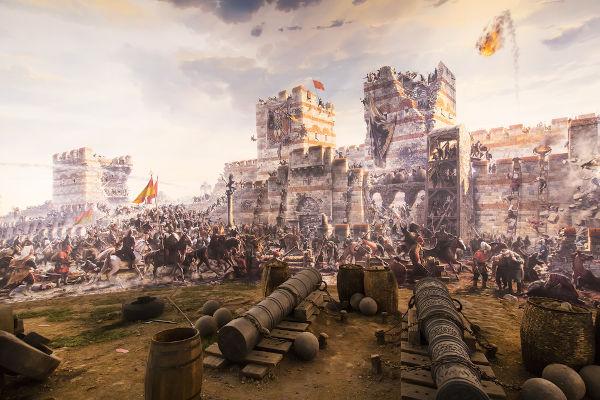 A conquista de Constantinopla e o fim do Império Bizantino em 1453 configuram o marco que inicia a Idade Moderna.[1]
