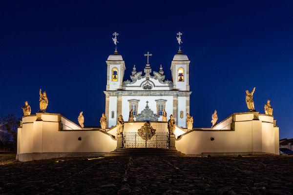 """""""Doze profetas"""" no adro do Santuário do Bom Jesus de Matosinhos, em Congonhas, foi construído por Aleijadinho entre 1800 e 1805."""