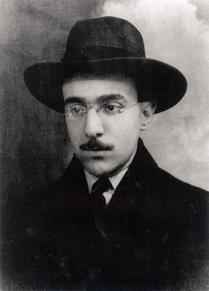 Fernando Pessoa foi um importante autor do modernismo português.