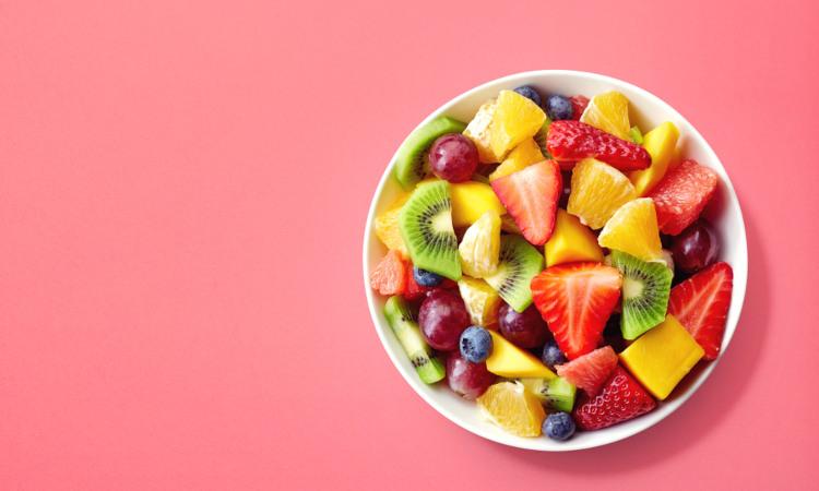 Incluir frutas na alimentação garante um melhor funcionamento do organismo.