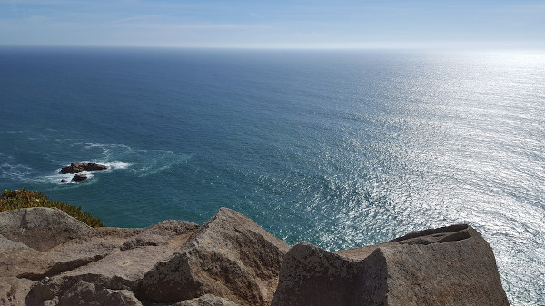 O oceano Atlântico está situado entre a América, a África e a Europa.