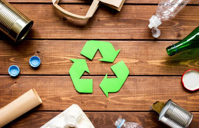 Reciclar é fundamental para reduzir-se a quantidade de lixo produzida e, consequentemente, a poluição