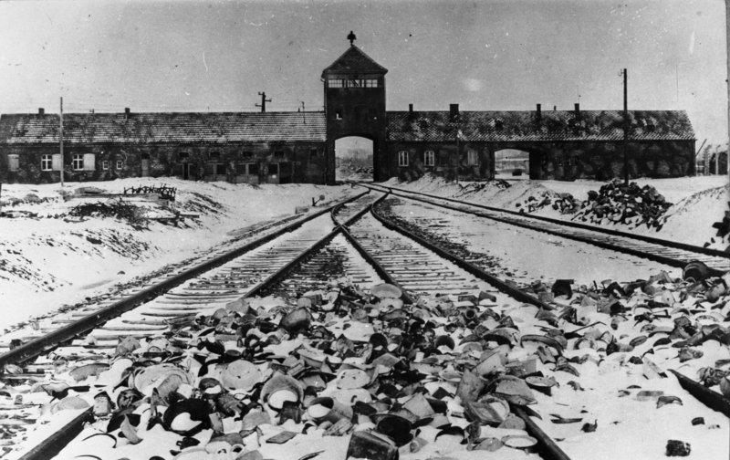 Campo de concentração de Auschwitz, onde milhares de judeus perderam suas vidas.
