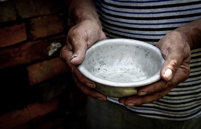 A pobreza está muito relacionada à desnutrição, sendo essa deficiência nutricional mais comum em países em desenvolvimento.