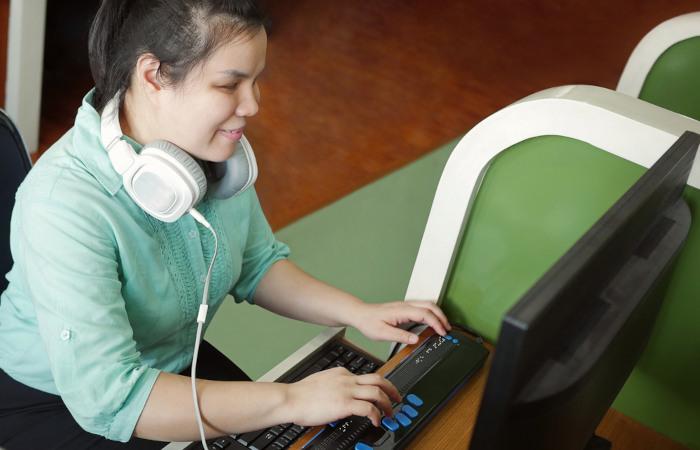 As pessoas com deficiência enfrentam uma série de dificuldades, como o acesso ao mercado de trabalho.