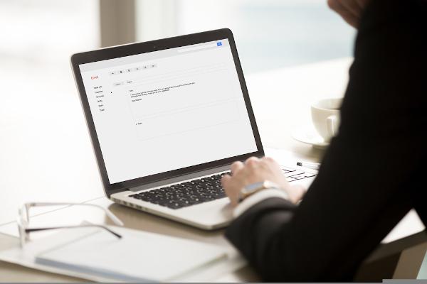 A redação técnica é fundamental para estabelecer-se comunicação entre diferentes setores no ambiente profissional.