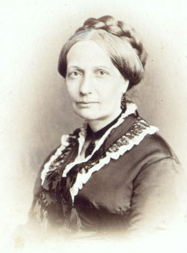 Teresa Cristina, princesa do Reino das Duas Sicílias, casou-se com D. Pedro II em 1843 e teve quatro filhos com ele.[1]