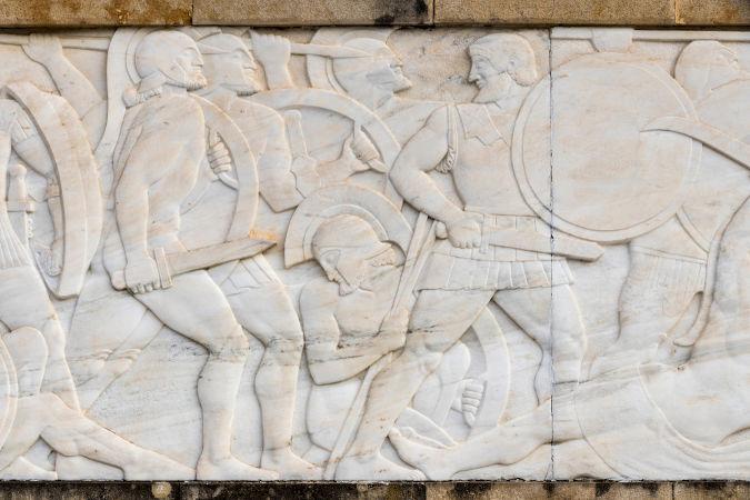A Batalhas das Termópilas foi travada entre espartanos e persas. Nela, 300 soldados espartanos lutaram contra milhares de persas.