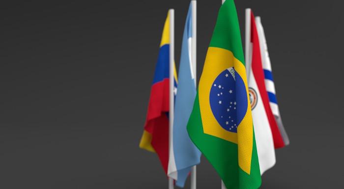 Brasil, Paraguai, Uruguai e Argentina foram o Mercosul, surgido no final dos anos 1980.