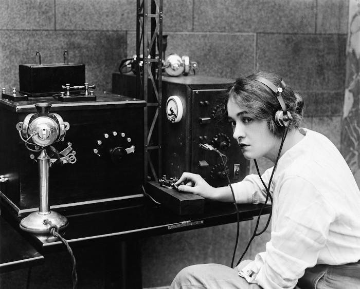 O telégrafo é uma das invenções da Segunda Revolução Industrial.