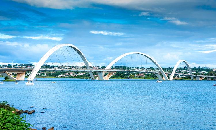 Brasília é a terceira capital mais rica do Brasil.