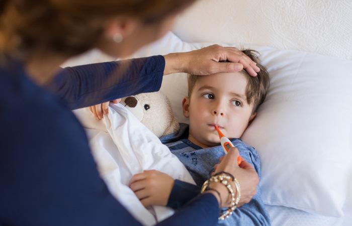 Crianças predispostas geneticamente podem apresentar convulsões febris.