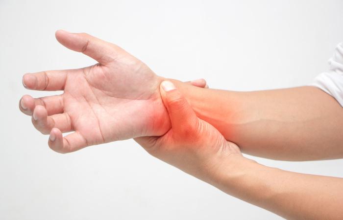 O lúpus pode acometer só a pele ou atingir outras partes do corpo, como as articulações.