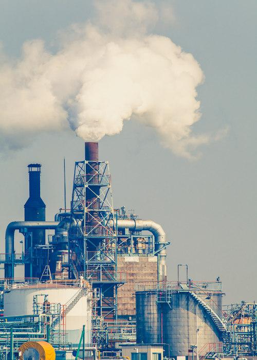 Emissão de resíduos gasosos industriais.