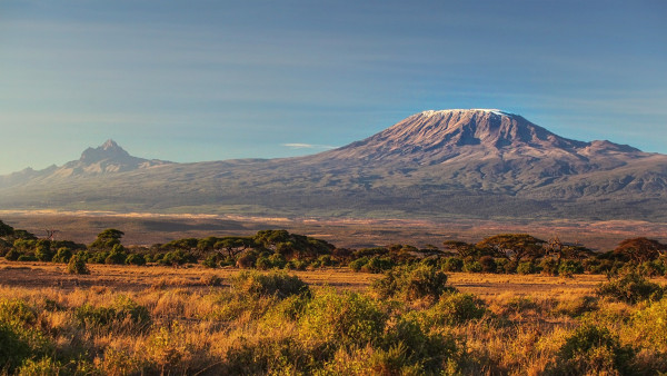 Monte Kilimanjaro, pico mais elevado do continente africano.