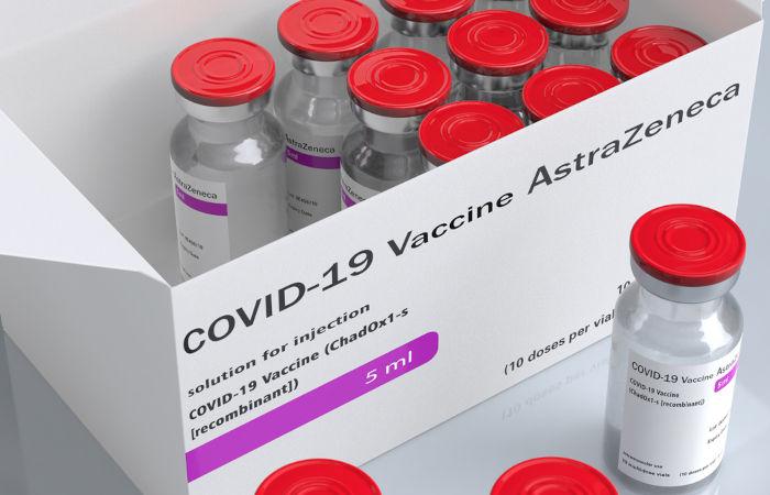 A Fiocruz realizou um acordo com a AstraZeneca para produzir, no Brasil, a vacina produzida em Oxford contra o Sars-CoV-2. [3]