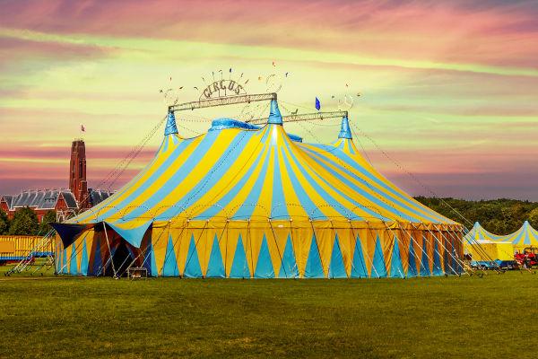 O circo surgiu na Inglaterra durante o século XVIII.