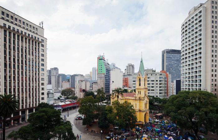 O Circo Alcebíades, onde se apresentava Piolin, ficava no Largo do Paiçandu, em São Paulo.[1]