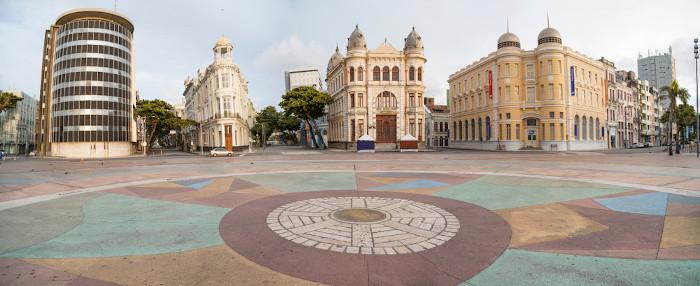 O Marco Zero do Recife é um importante ponto da capital pernambucana que concentra vários edifícios históricos.