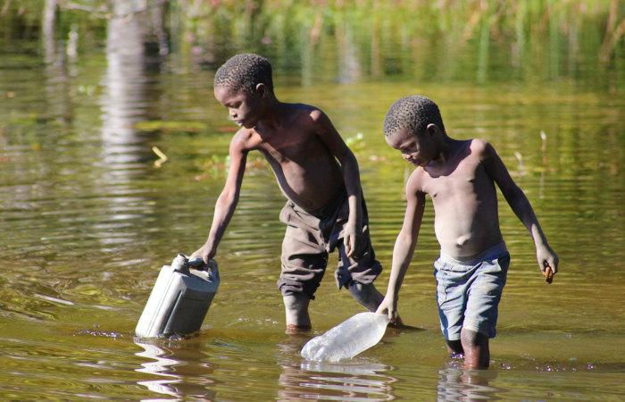 O acesso à água potável é um problema em diversas partes do mundo. Os objetivos do desenvolvimento sustentável buscam a superação dessa realidade.