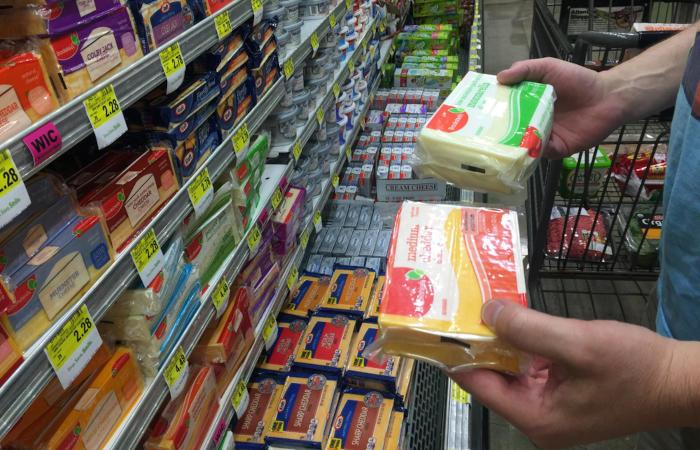 É importante analisar atentamente as informações nutricionais das embalagens antes de comprar um produto.