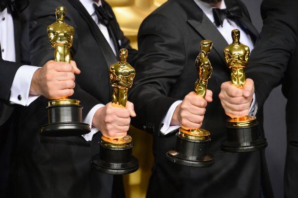 A famosa estatueta metálica é o símbolo do Oscar desde a sua primeira edição, realizada em 1929.[1]
