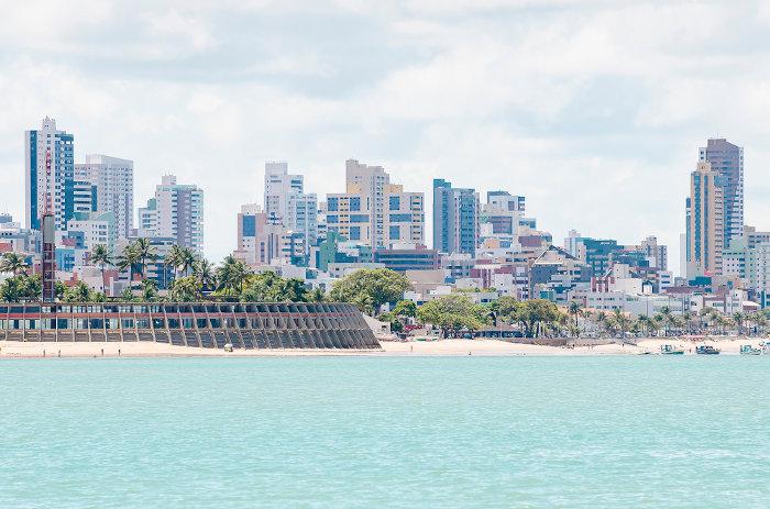 A cidade de João Pessoa é a capital e principal centro político e econômico da Paraíba.