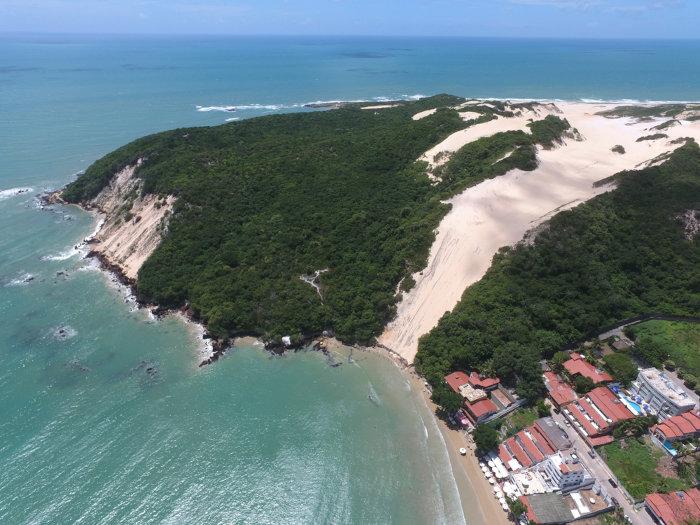 O litoral potiguar reúne belas paisagens, formadas por dunas e vegetações litorâneas.