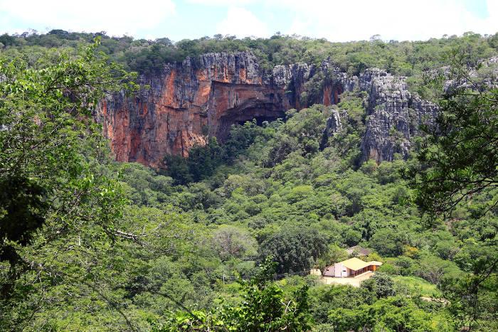 Parque Nacional Cavernas do Peruaçu, no norte de Minas Gerais, é uma importante unidade de conservação da Caatinga.