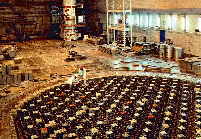 Sala de um reator nuclear similar ao utilizado na usina de Chernobyl.[1]