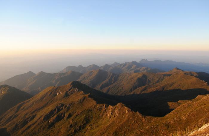 A Serra do Caparaó é uma das formações serranas do Espírito Santo. Nela está localizada o Pico da Bandeira.