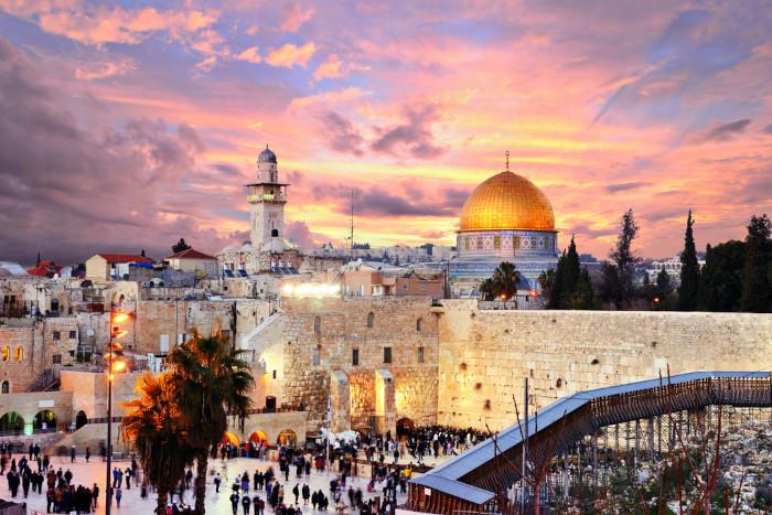A cidade histórica de Jerusalém é considerada sagrada para os judeus, mas também para os árabes e os cristãos.