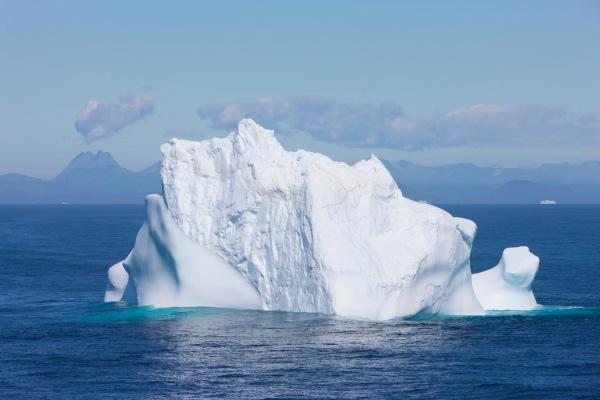 A presença de grandes blocos de gelo é uma característica do oceano Glacial Ártico.