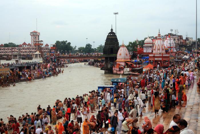 Milhões de fiéis se banham nas águas do Ganges todos os anos. [1]
