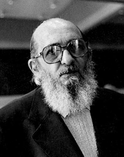 Paulo Freire foi um filósofo, educador e escritor brasileiro que transformou as bases da educação nacional. [1]
